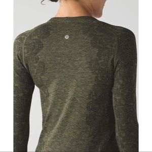 NWOT Lululemon Swiftly Tech Long Sleeve Shirt